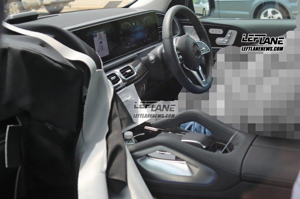 奔驰全新一代GLE内饰谍照曝光 科技感提升