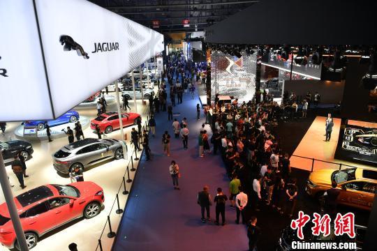 来自全球130多个汽车品牌争相亮相中国西部国际博览城